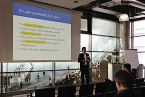 """Matthias Steinforth und sein Vortrag """"Funktionalitäten und Möglichkeiten mobiler Endgeräte und Browser – Ein Überblick"""""""