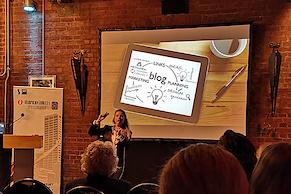 Daniela Sprung mit Tipps und Tricks zum Unternehmensblog